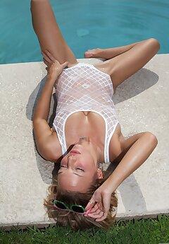 sunbathing voyeur pictures