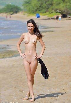 nudist voyeur pictures