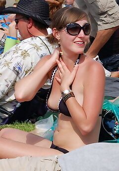 bikini slip voyeur pictures